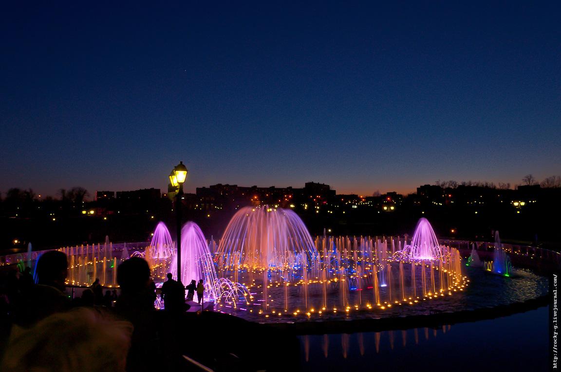 Поющие фонтаны в Царицыно