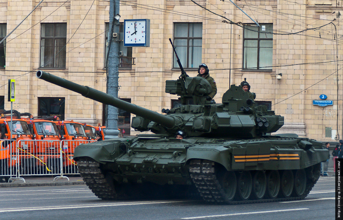 Репетиция прохода военной техники. 07.05.2014