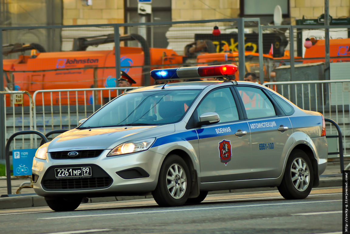 Парад 9 мая 2013. Автомобили на службе